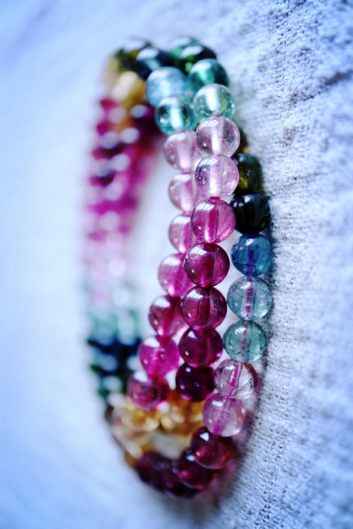 【碧玺】彩虹碧玺链和双鱼西瓜碧玺坠,彩虹🌈就藏在其中哦~~ -菩心晶舍