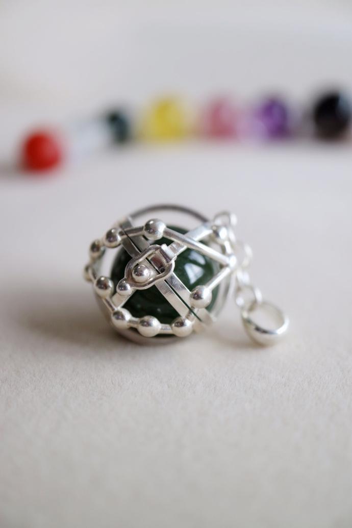 这一款用星座图腾手工打造的小球里面会成为你五彩的回忆-菩心晶舍
