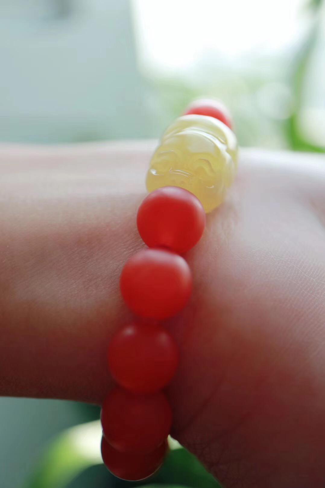 【菩心保山南红 | 蜜蜡🐷】南红体如凝脂,温润细腻,是众多玉石中的佼佼者-菩心晶舍