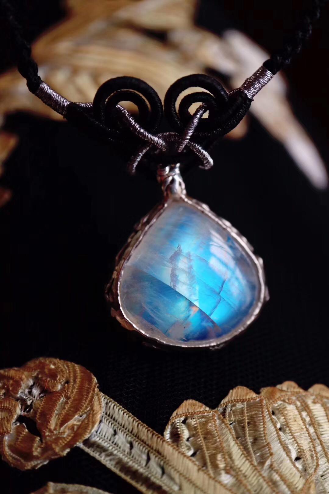 【菩心-月光石】不经意间的蓝光,最是疗愈-菩心晶舍