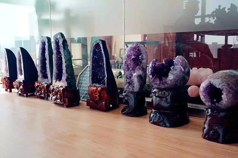 紫晶洞,不只是观赏摆件,不同的摆放有不同的功效和作用-菩心晶舍