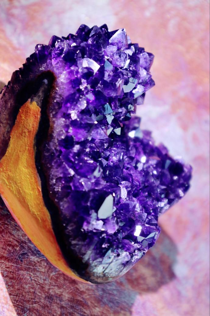 【极品爱心紫晶簇-乌拉圭】 他是乌拉圭顶级的原矿紫晶簇。-菩心晶舍