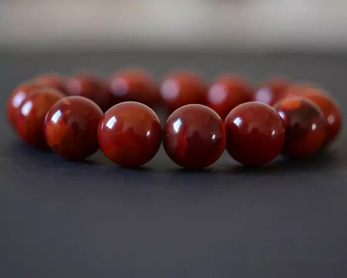 温润凝艳中国红:南红玛瑙的颜色分类