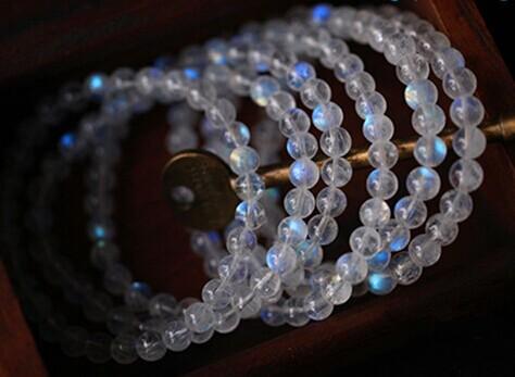 与月光石相似宝石的区别-菩心晶舍