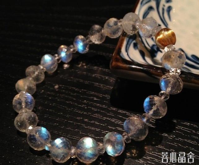 蓝月光石和海蓝宝的区别-菩心晶舍
