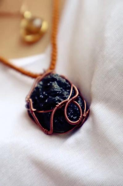 捷克陨石的骨子里有一种神力-菩心晶舍