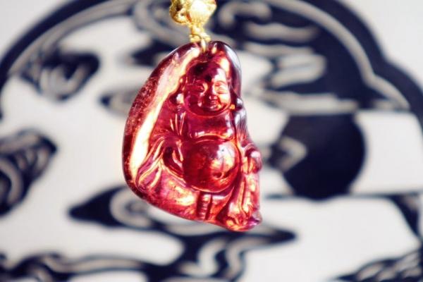 红碧玺,美容养颜,对女性内分泌有很好的调节作用-菩心晶舍