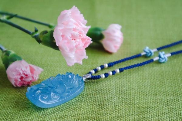 海蓝宝是3月的生辰石,对应人体的喉轮-菩心晶舍