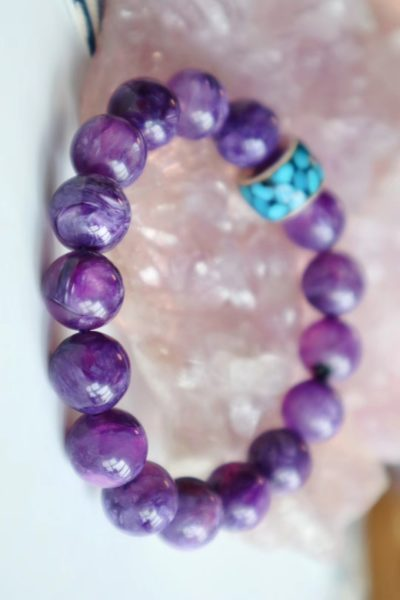 佩戴紫龙晶,有助于消除脑部的谜思-菩心晶舍