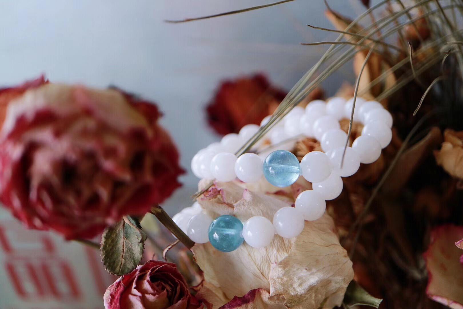 【菩心   玉化砗磲】玉化砗磲配上海蓝宝,可以让我们烦躁的心得以安宁-菩心晶舍