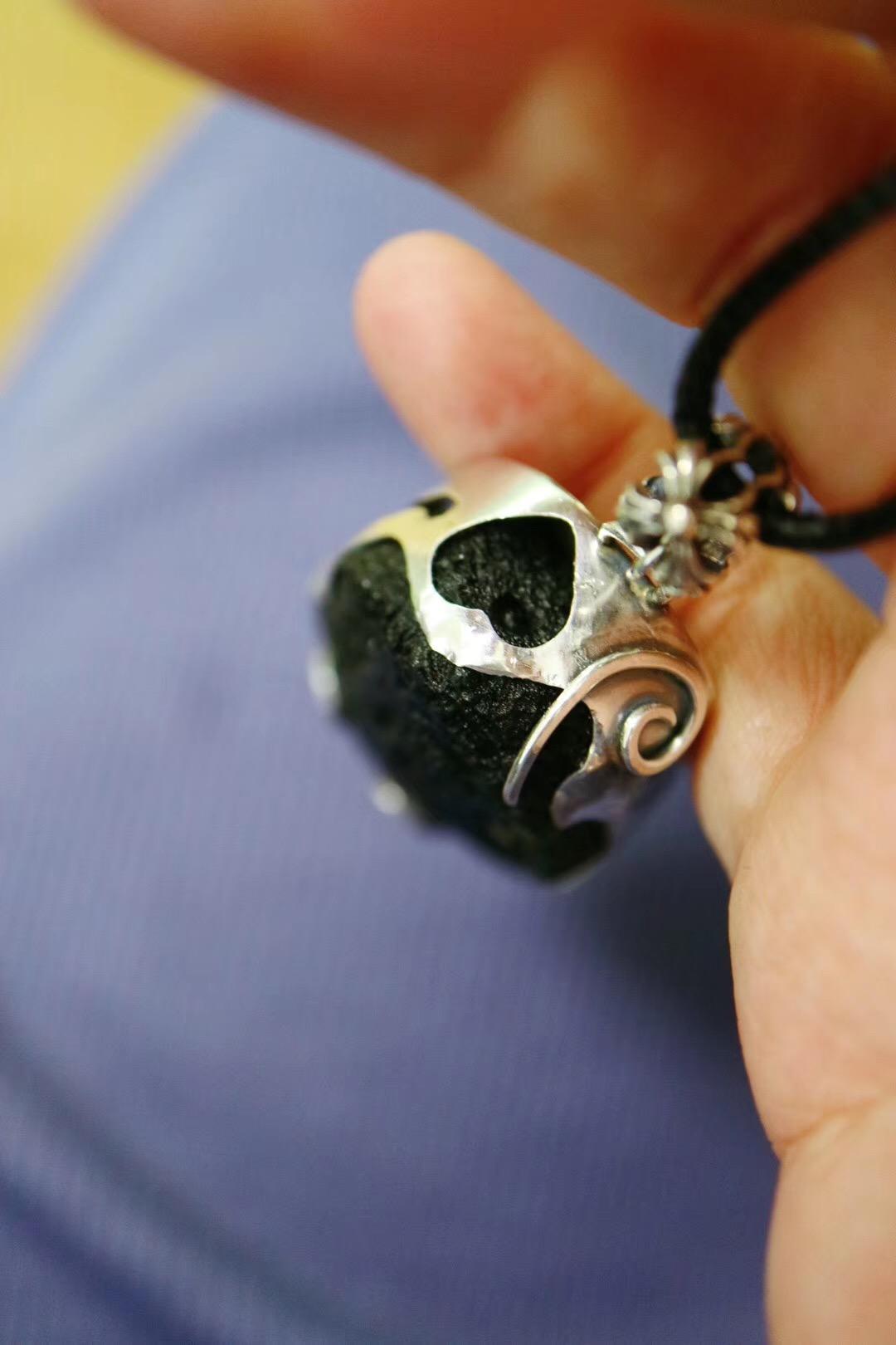 【菩心-捷克陨石】这枚略酷的捷克陨石,愿它陪着Thomas走遍世界角落-菩心晶舍