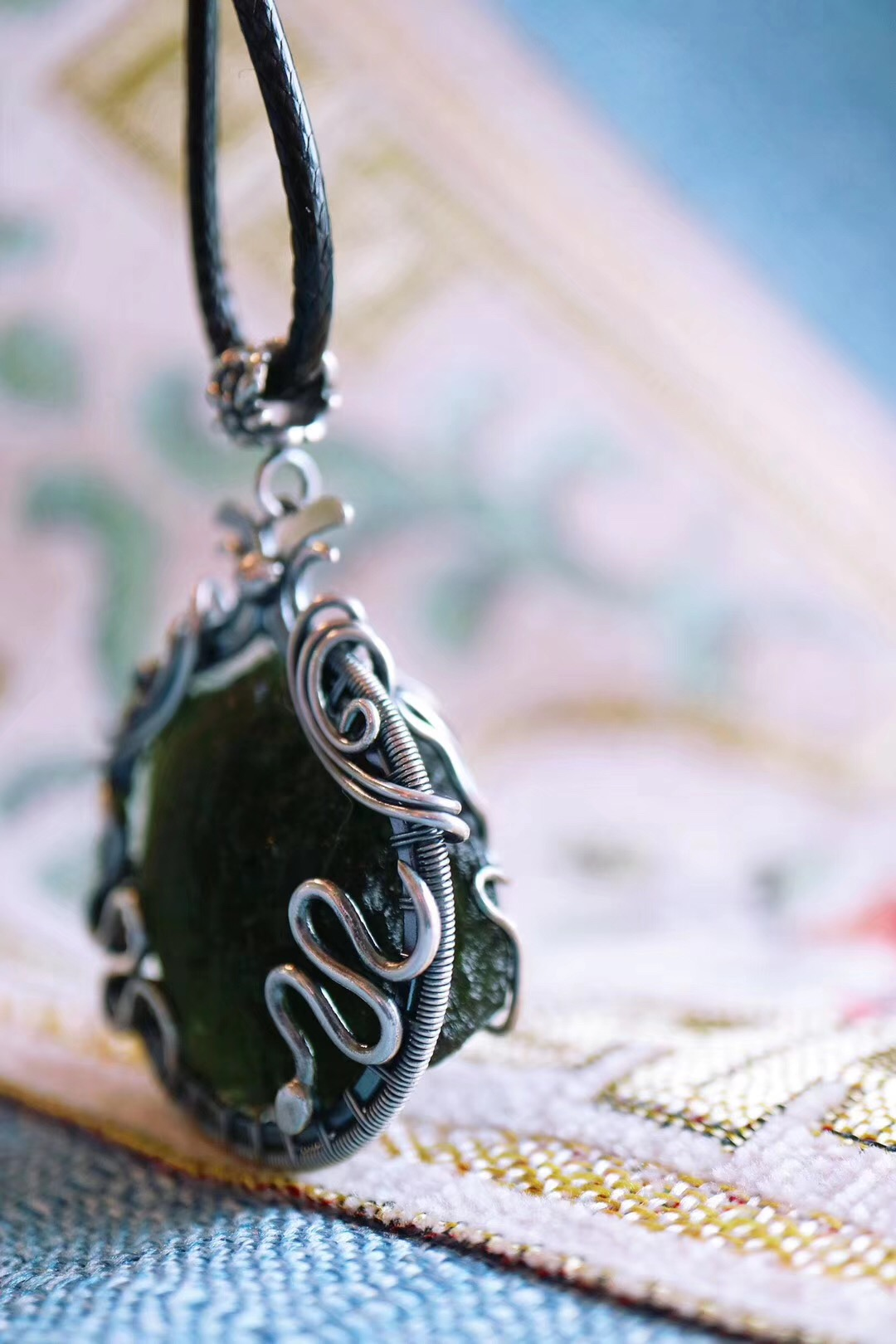 【菩心-捷克陨石&♊️】一枚双子座&蛇-捷克陨石吊坠设计-菩心晶舍