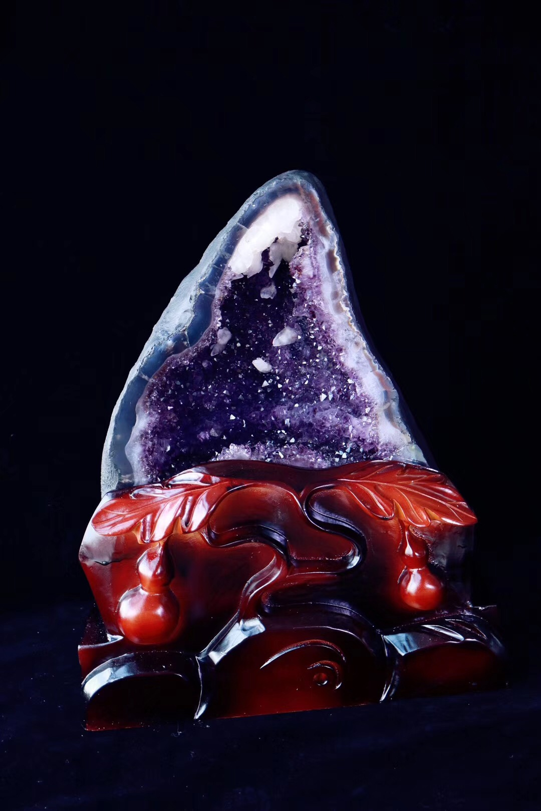【菩心 | 紫晶洞】将紫晶洞放在财位方,可以吸收财气-菩心晶舍