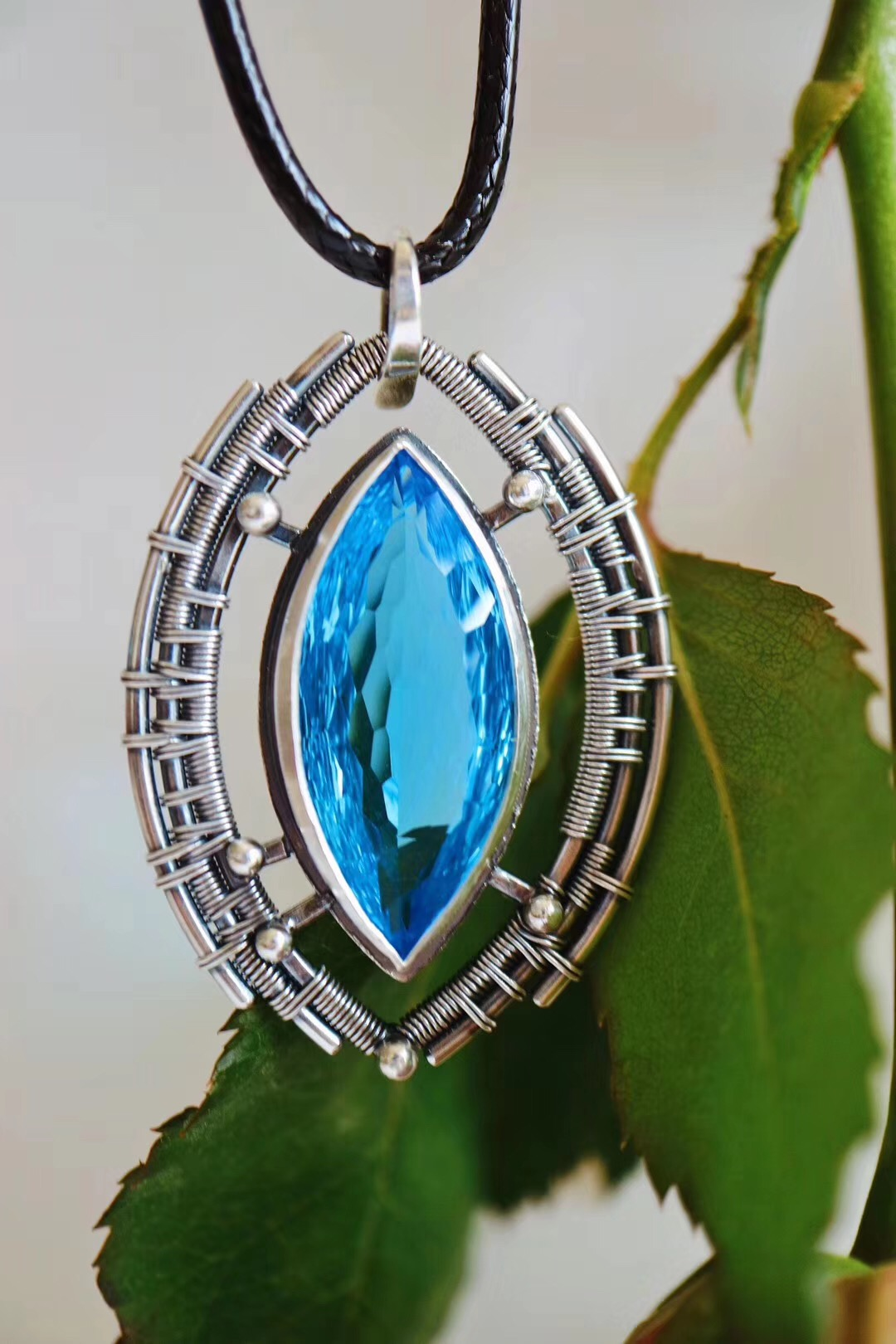 【菩心-托帕石】一枚透蓝的智慧之眼-托帕石坠-菩心晶舍