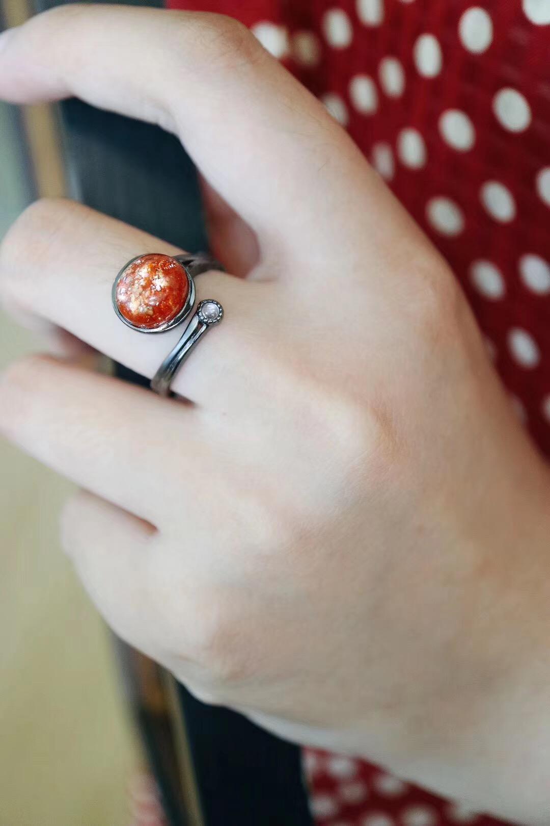 菩心-太阳石、月光石&18k黑金戒,万众期待的日月同辉-菩心晶舍