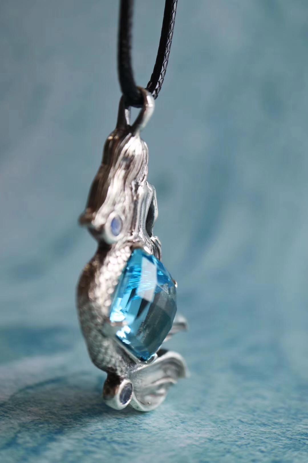 《美人鱼》—菩心晶舍&托帕石 ,像极了海蓝宝-菩心晶舍