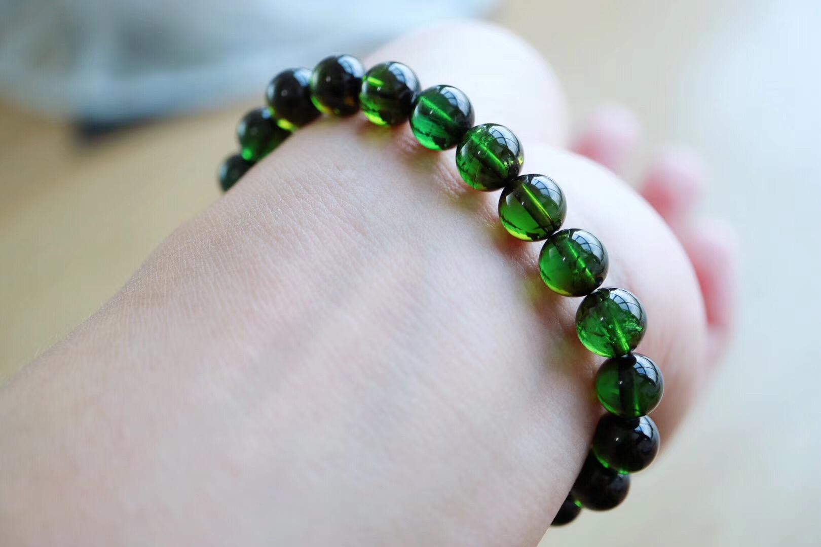 【碧玺】绿碧玺象征着希望和健康-菩心晶舍