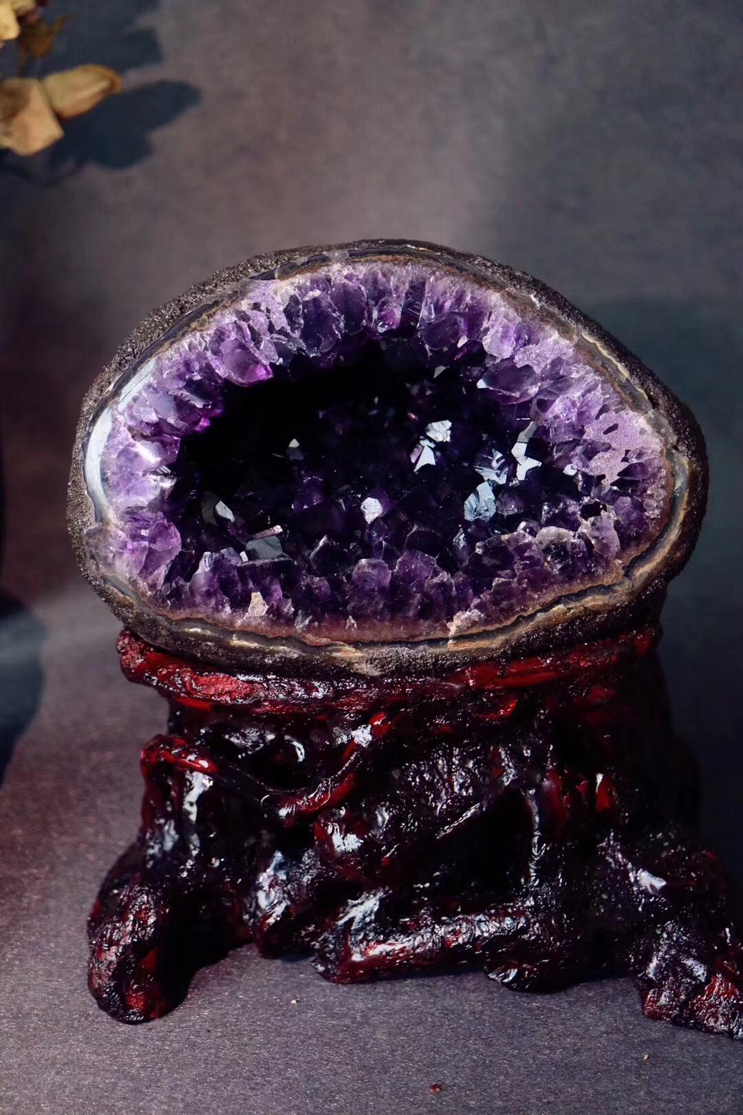 【乌拉圭紫晶洞】紫晶洞有聚气招财、镇宅祈福之妙用-菩心晶舍