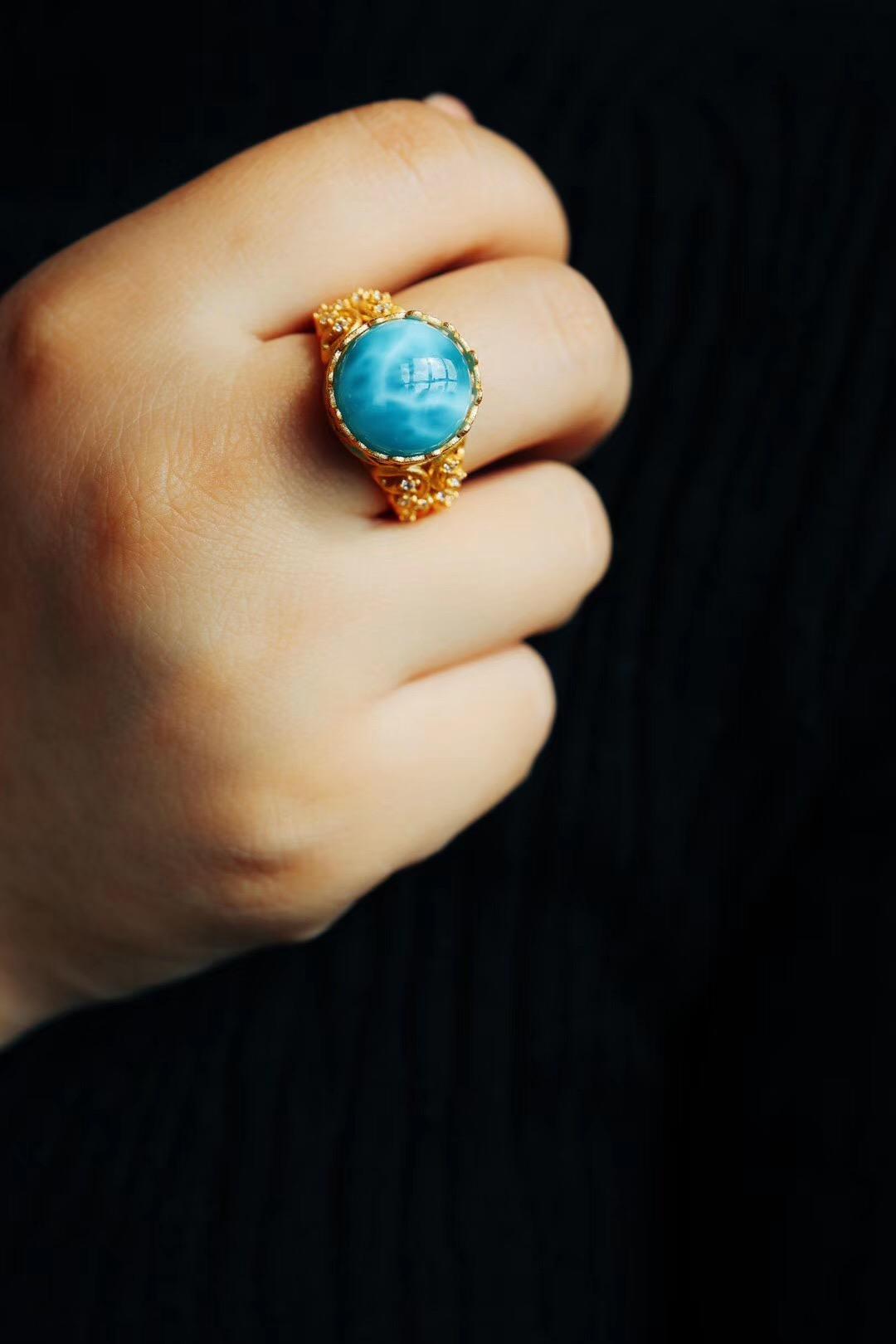 """【海纹石】Larimar,意思就是""""无与伦比的蓝""""-菩心晶舍"""