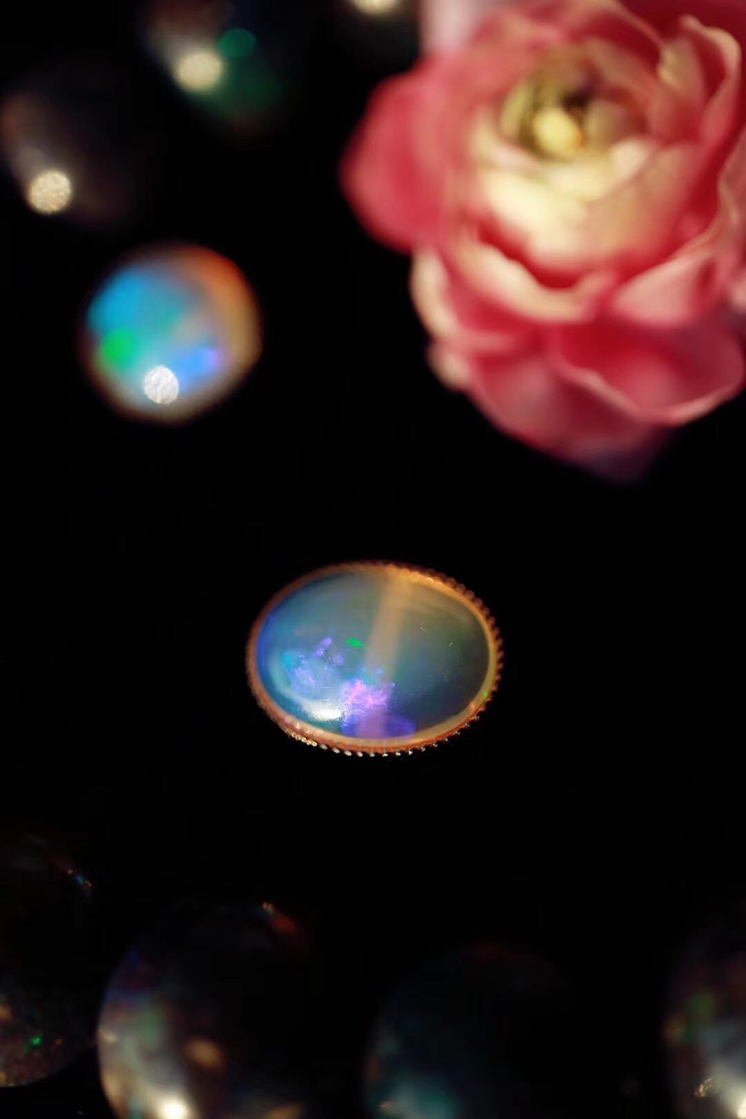 【欧泊】欧泊是世界上最美丽的宝石之一-菩心晶舍