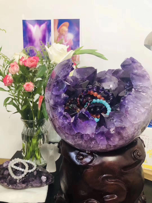 为什么要用水晶摆件(紫晶簇、白水晶簇)提升居家磁场?看过来-菩心晶舍