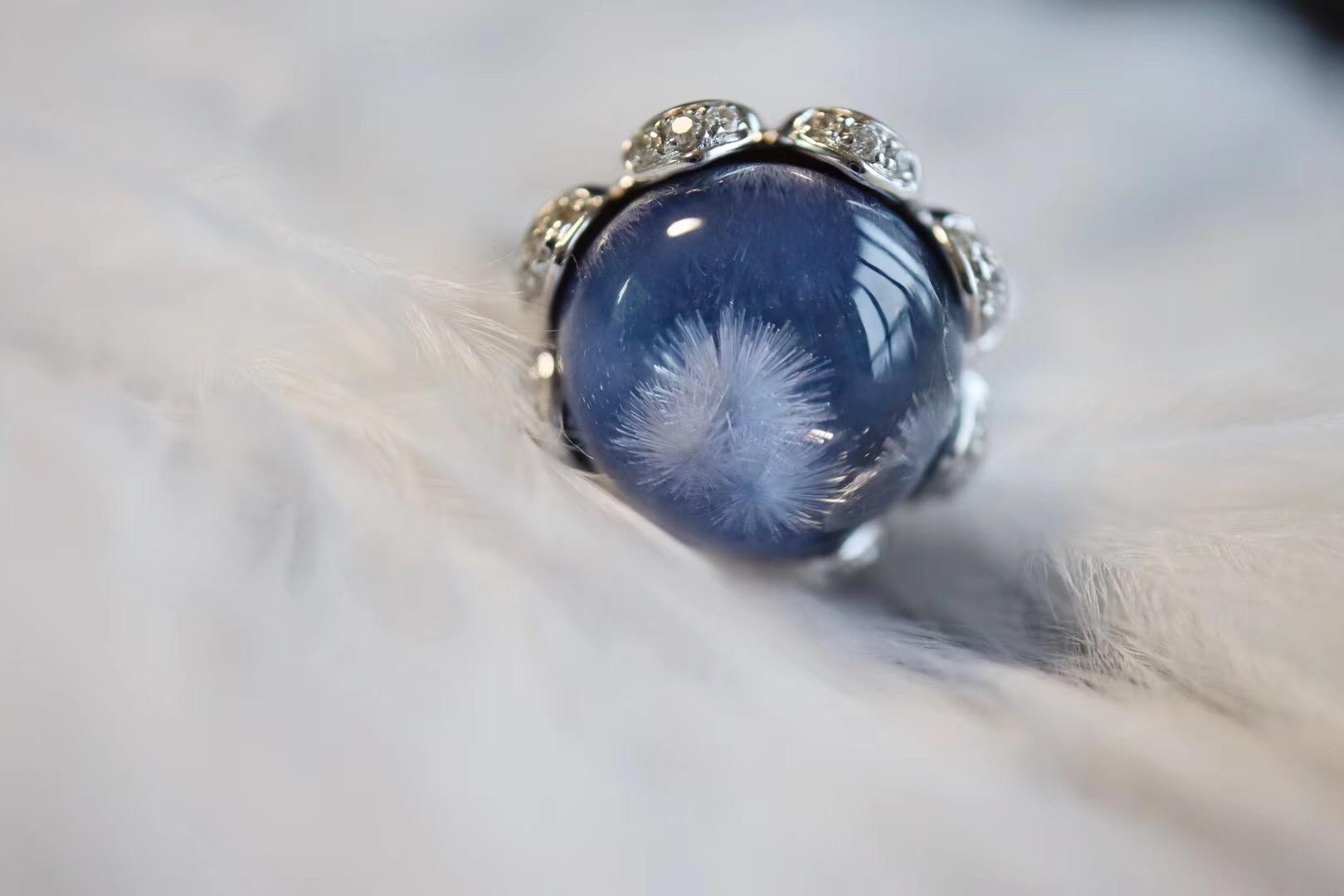 """【蓝发晶配蓝宝石】蓝发晶又被称为""""治愈宝石""""-菩心晶舍"""