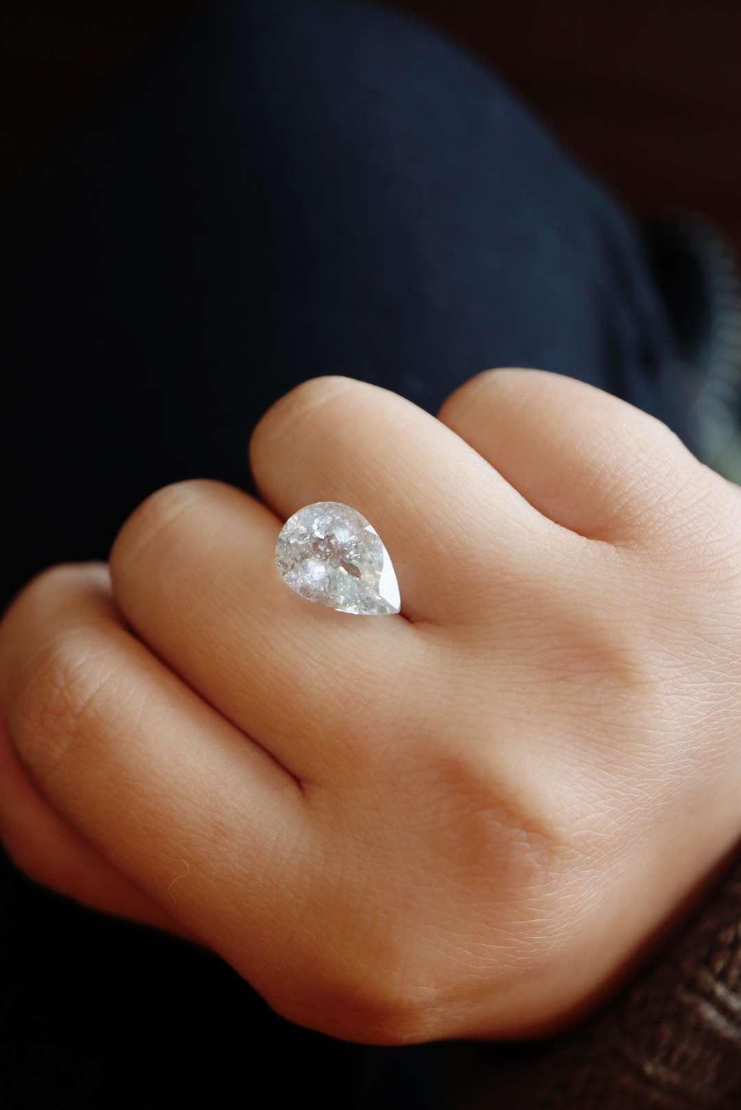 【白碧玺】一颗媲美钻石的白碧玺-菩心晶舍