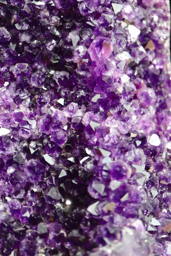 健硕的超大紫晶簇,镇宅开运,招财纳福-菩心晶舍
