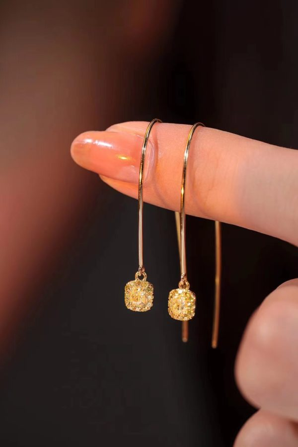 一对红纹石、一对黄钻,散发出一种千金气质-菩心晶舍