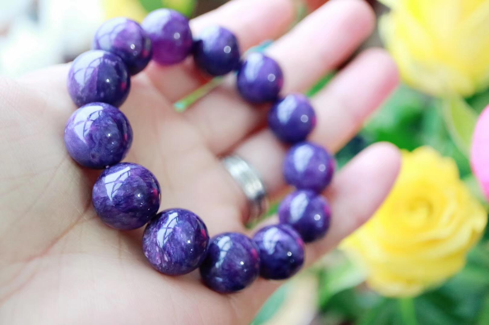 【紫龙晶】对应眉心轮,散发的能量有助于看清事实的真相-菩心晶舍