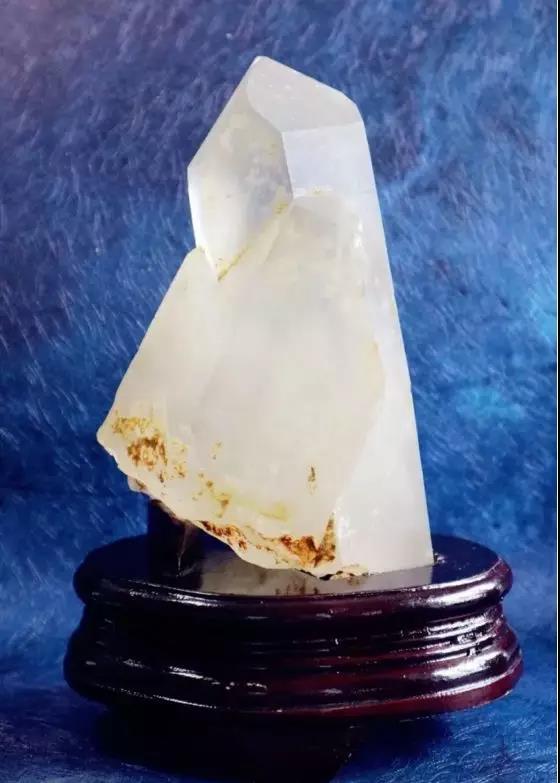 想了解白水晶晶簇的作用和禁忌?看过来-菩心晶舍
