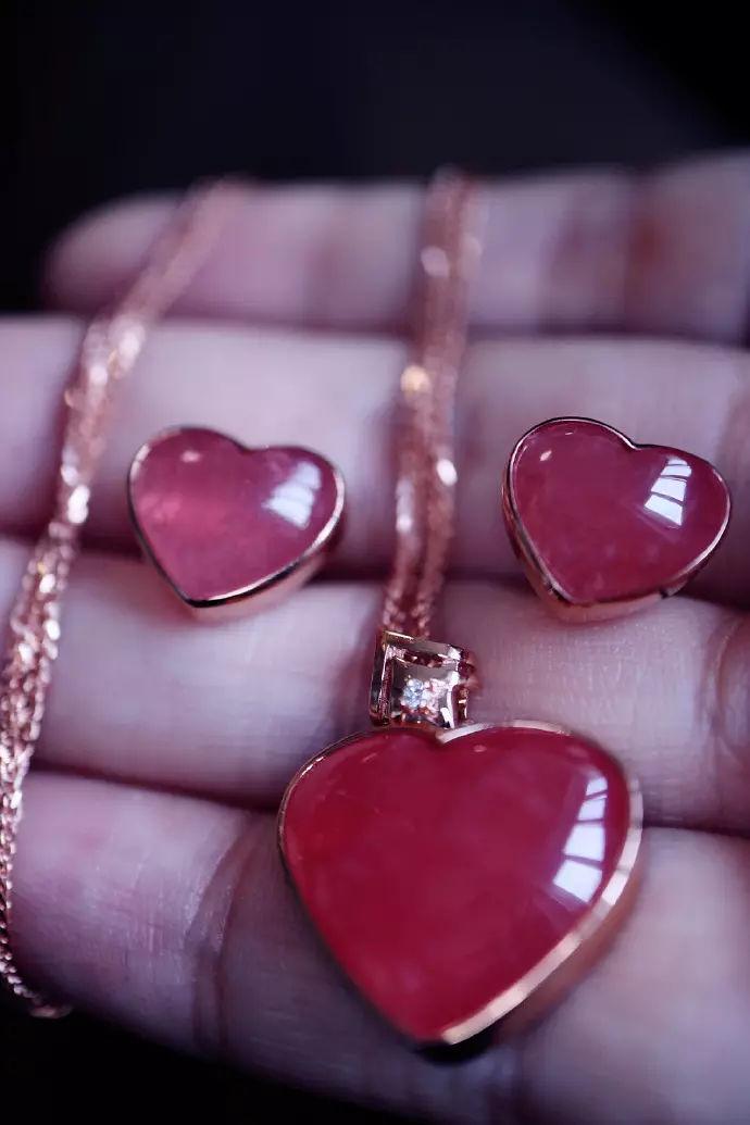 想选一个爱情助运物?红纹石助你抓住真爱-菩心晶舍