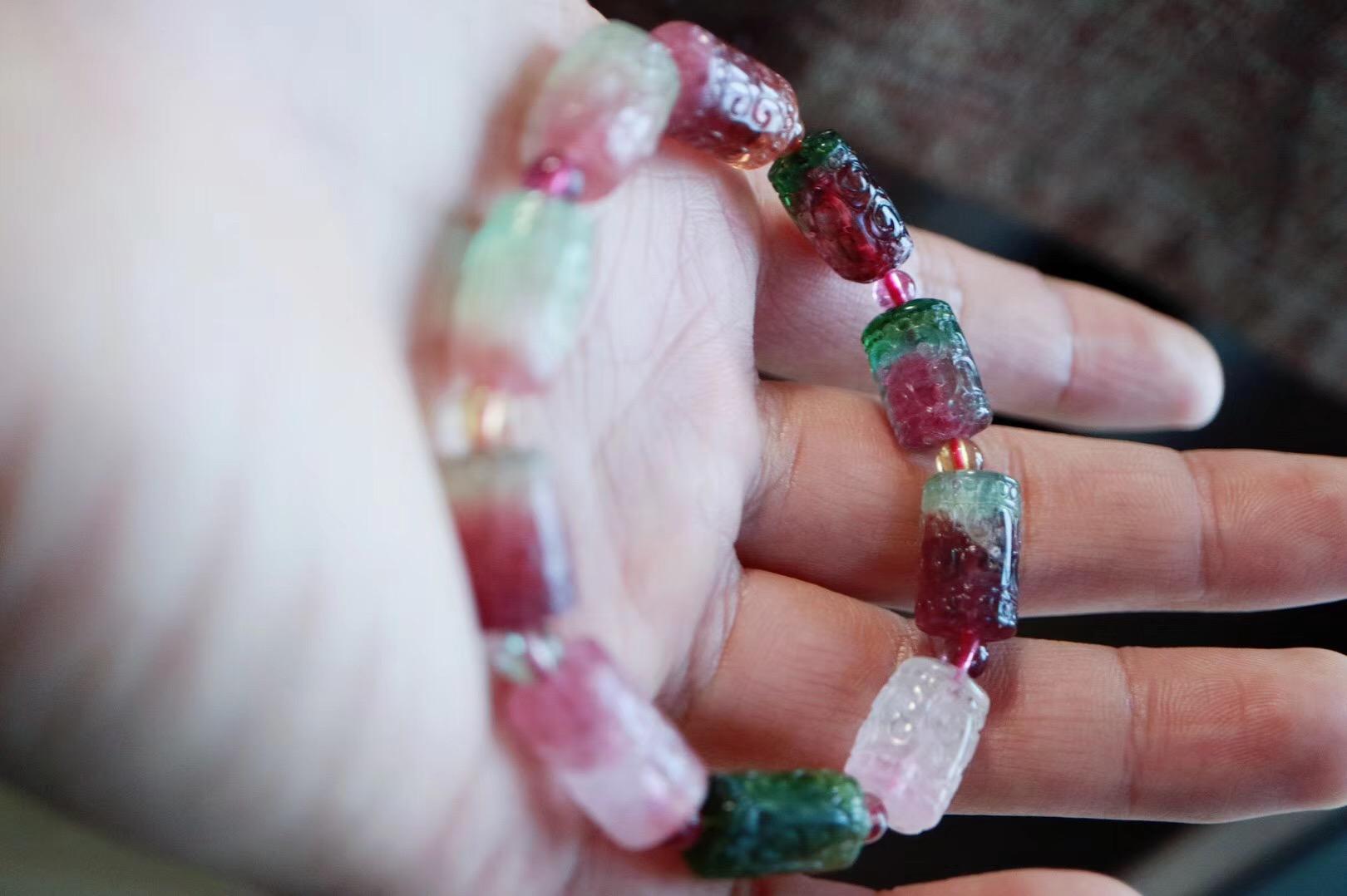 【菩心 | 西瓜碧玺】 大自然的鬼斧神工,譬如这款宛若红皮绿瓤的西瓜碧玺~~-菩心晶舍