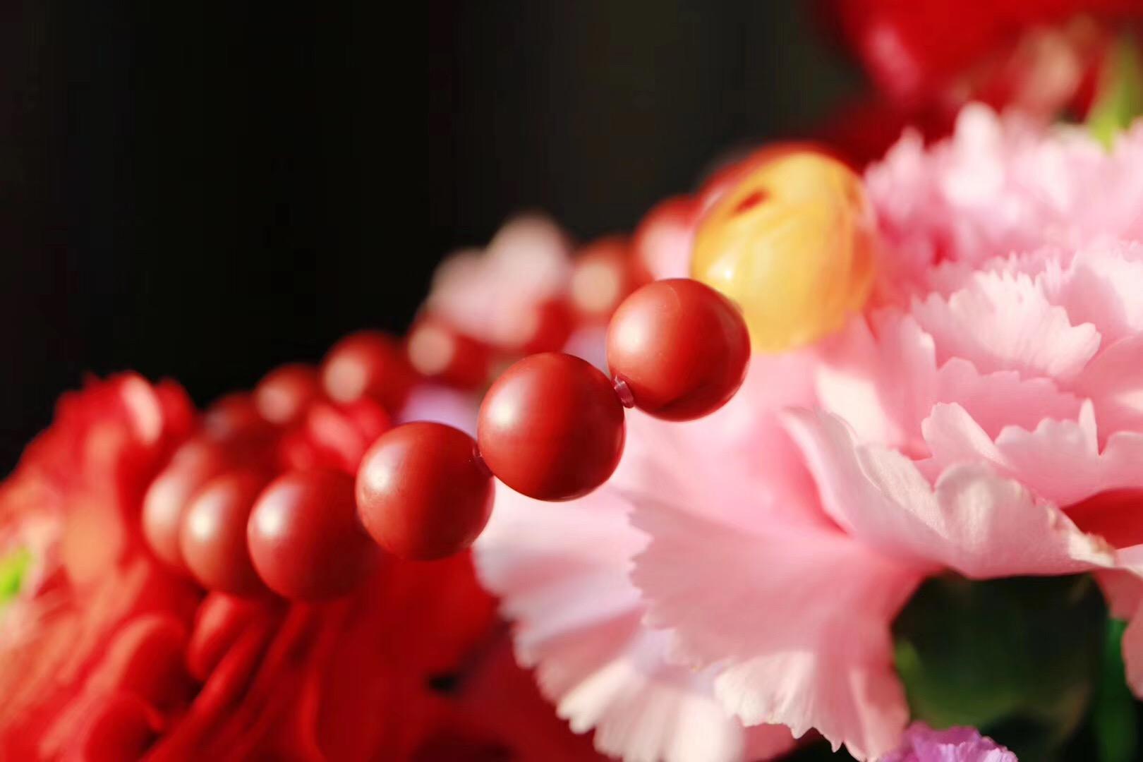 【菩心保山南红 | 蜜蜡】收藏级南红包浆珠下隐藏了几分明艳的色泽-菩心晶舍