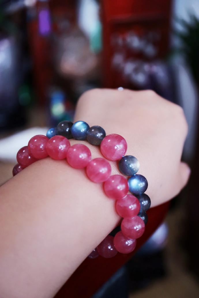 【灰月光|碧玺|红纹石】 极品灰月光,以心轮晶石绿碧玺和红纹石点缀-菩心晶舍