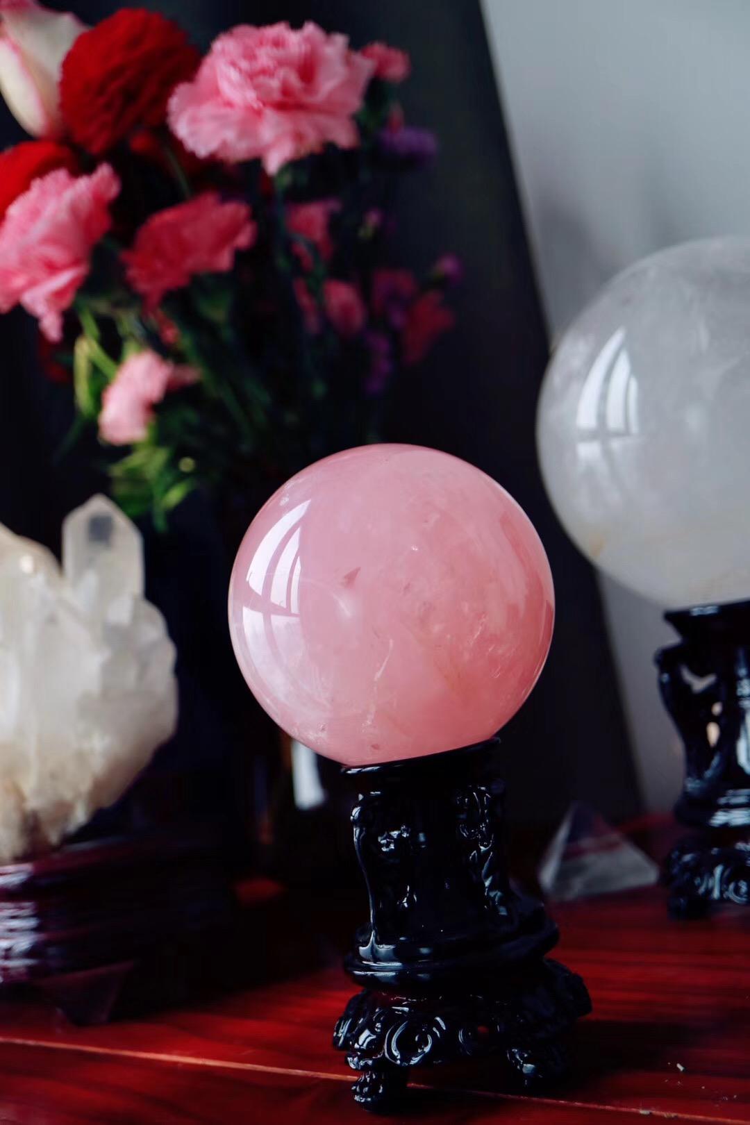 【菩心粉晶球 】散发的粉红色频率可疗愈心中所积累的多年郁结-菩心晶舍