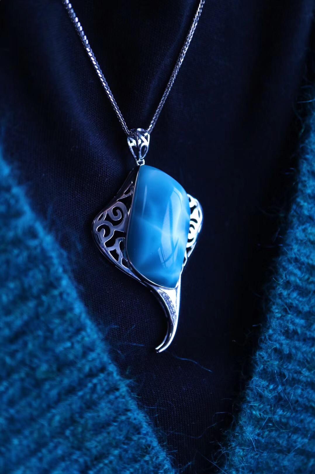 一枚灵性极高的海纹石,与君初相识,犹如故人归。 【菩心·海纹石(白金)】-菩心晶舍
