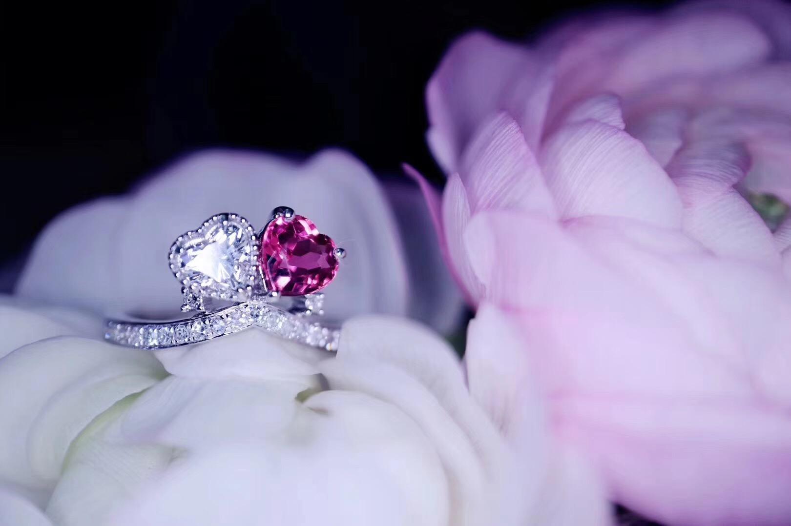 【菩心-碧玺】这款虽为婚戒改版,但不变的,是那颗爱你的心。-菩心晶舍