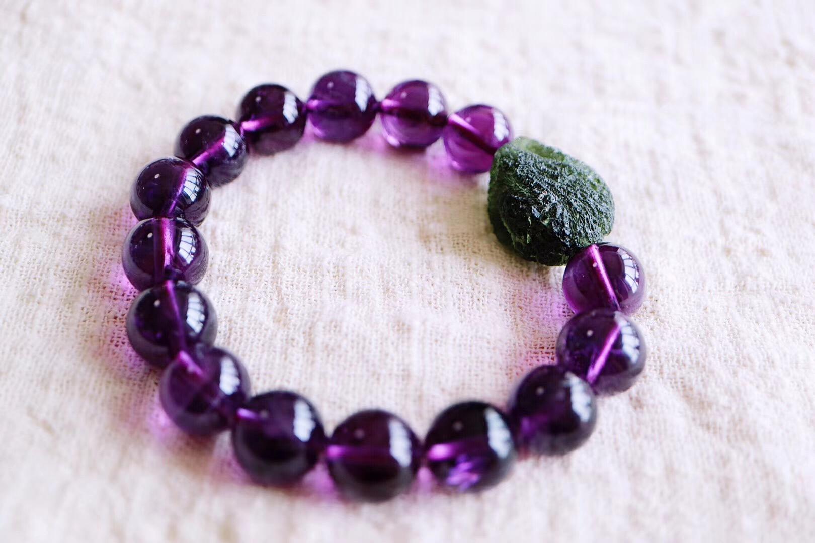 【菩心捷克陨石 | 紫水晶】紫水晶给人一种梦幻又饱含幸福的视觉感-菩心晶舍