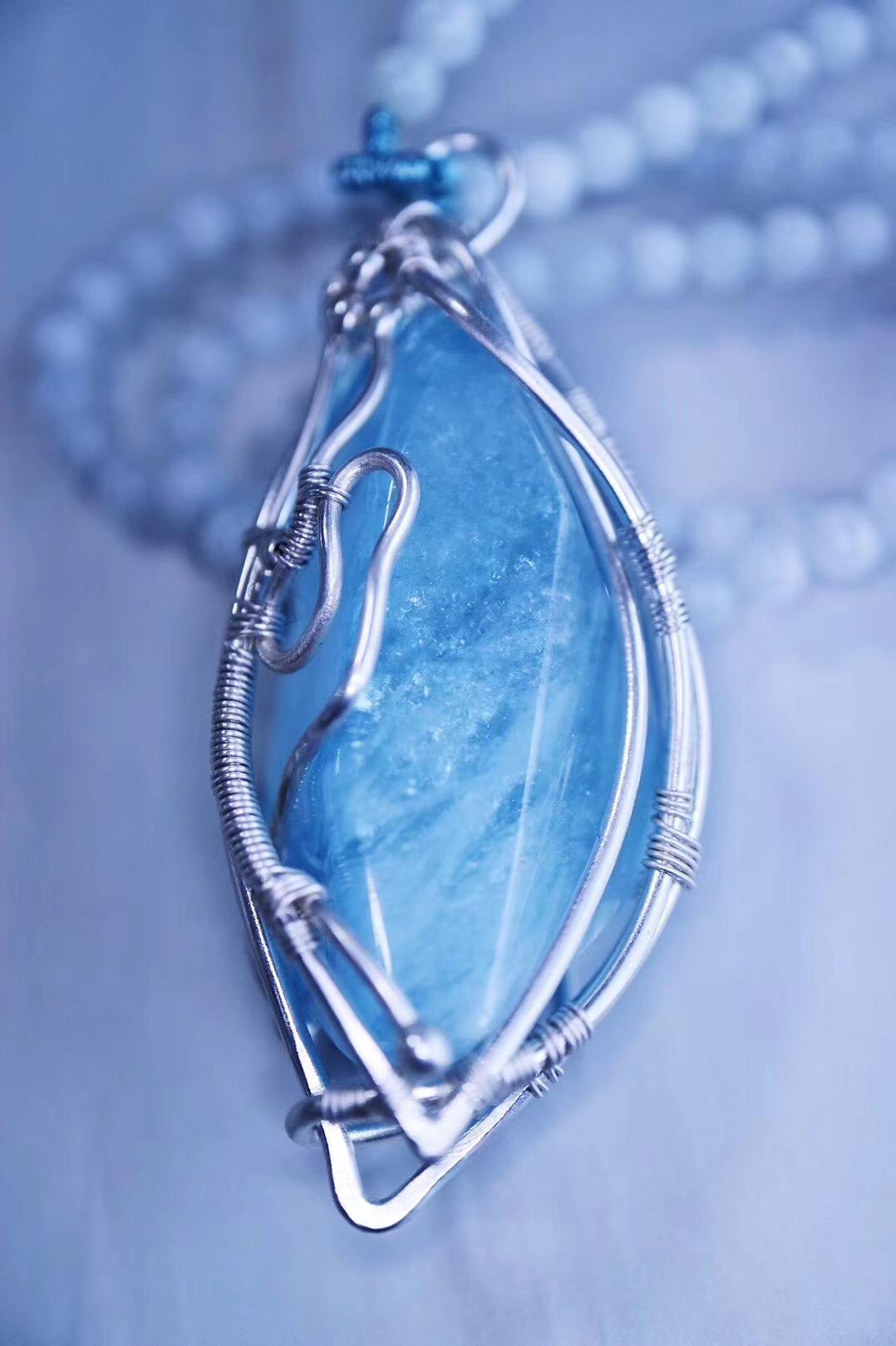 【菩心-海蓝宝原石】纯净的蓝里,泛着如雪的折射-菩心晶舍