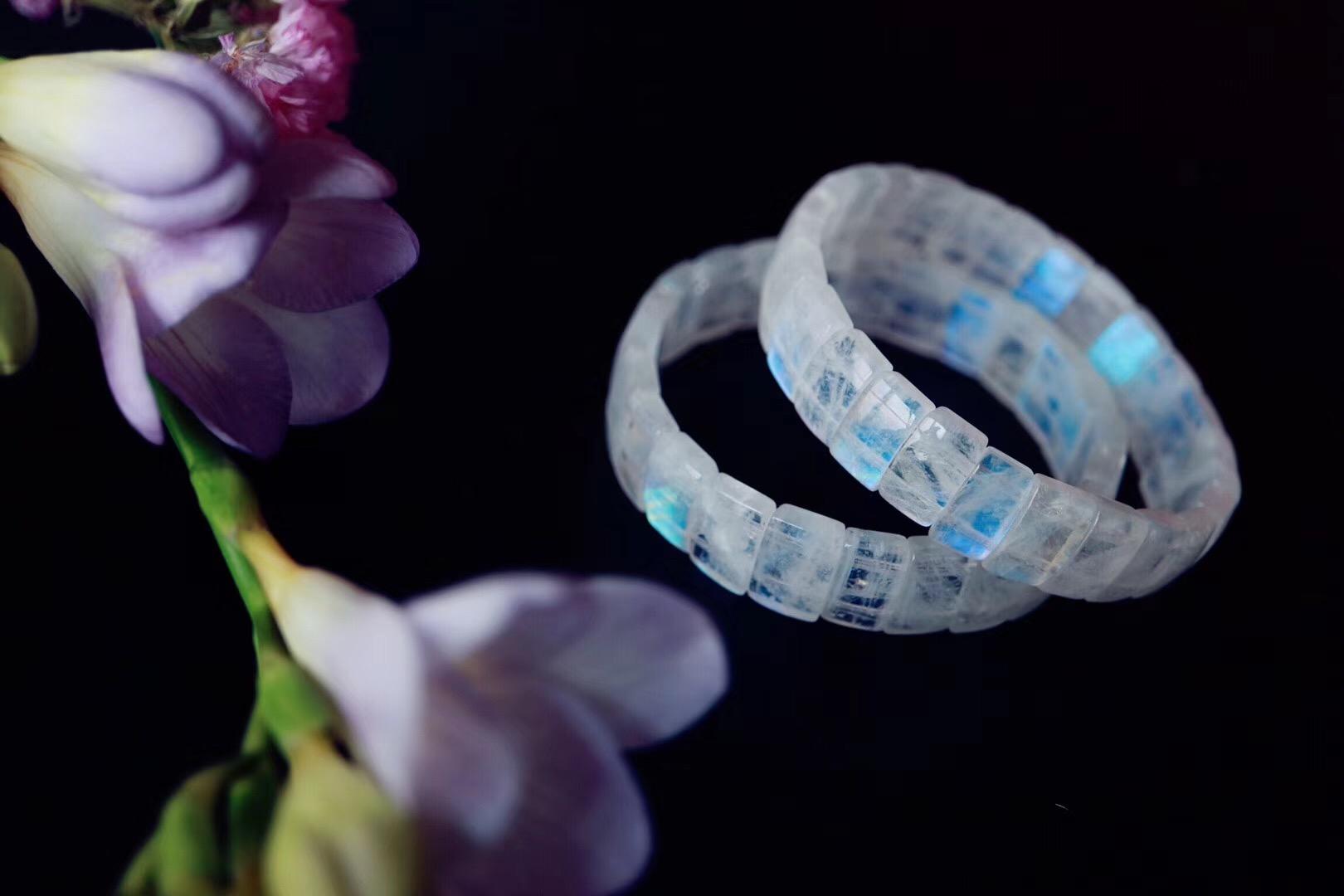 【菩心   月光石】温柔似水的月光石协助女性开启内在能量-菩心晶舍