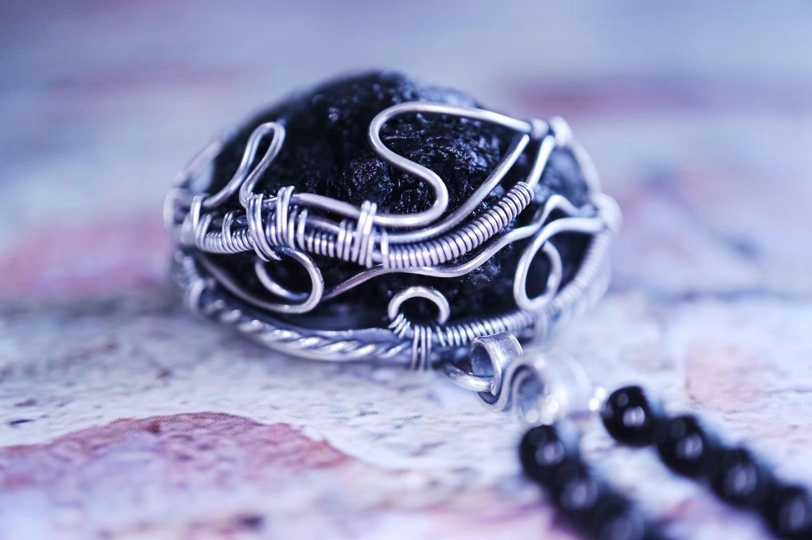 【菩心-捷克陨石】荷鲁斯之眼作为护身符,在古埃及有广泛的使用。-菩心晶舍