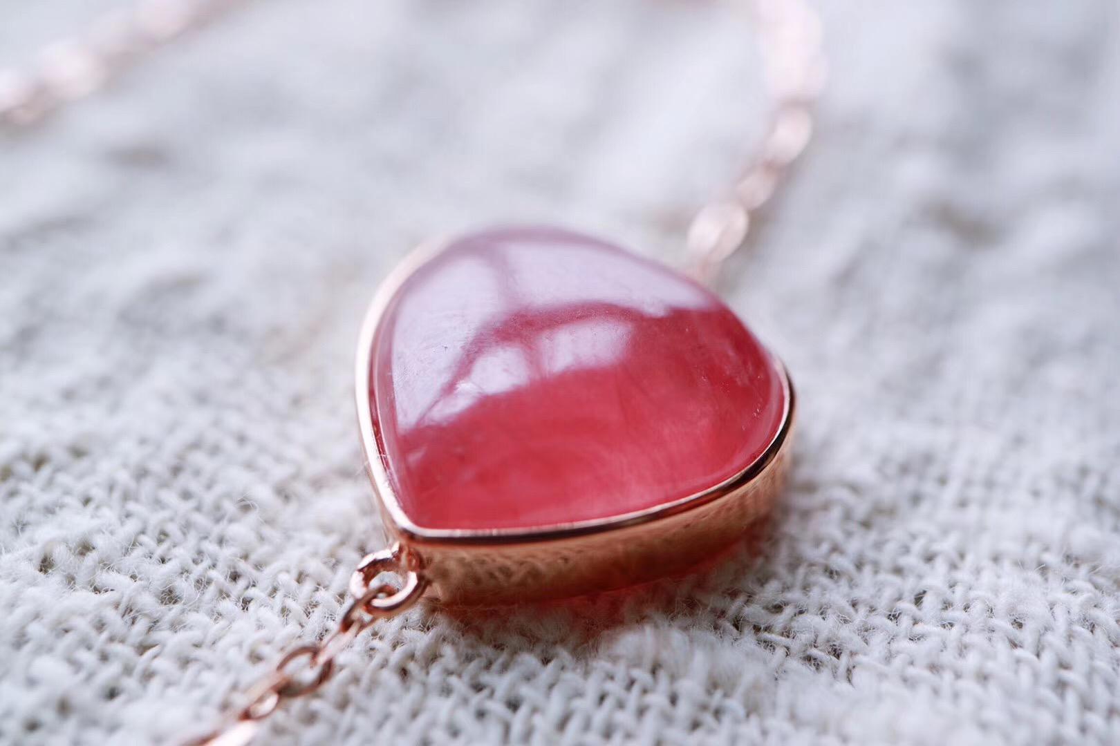 【菩心红纹石 💗💗】超级冰种滴红玫石18k金镶嵌,红润细腻-菩心晶舍