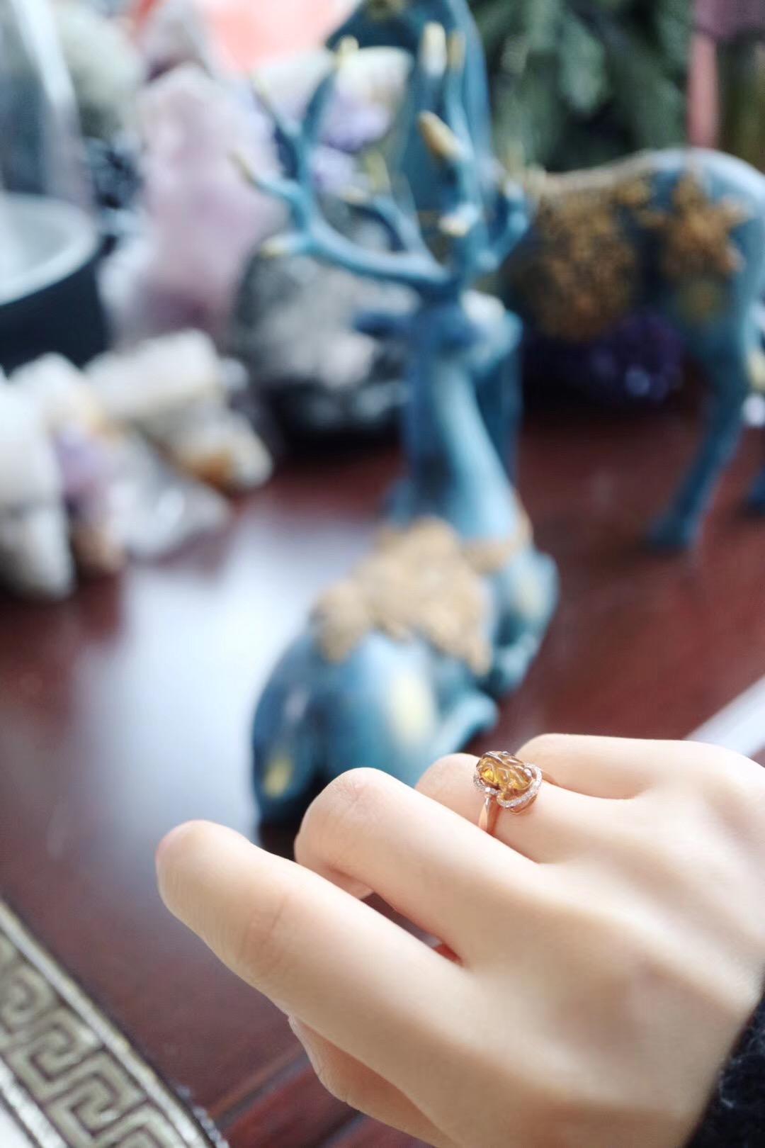 【菩心-碧玺18k金钻戒】一枚可爱的黄碧玺叶子戒-菩心晶舍