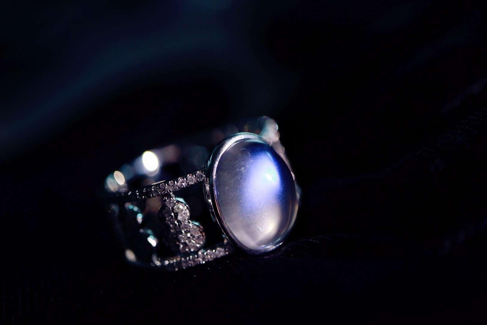 【菩心 | 斯里兰卡月光石】感觉整个人也如月光般悠然自在!!-菩心晶舍