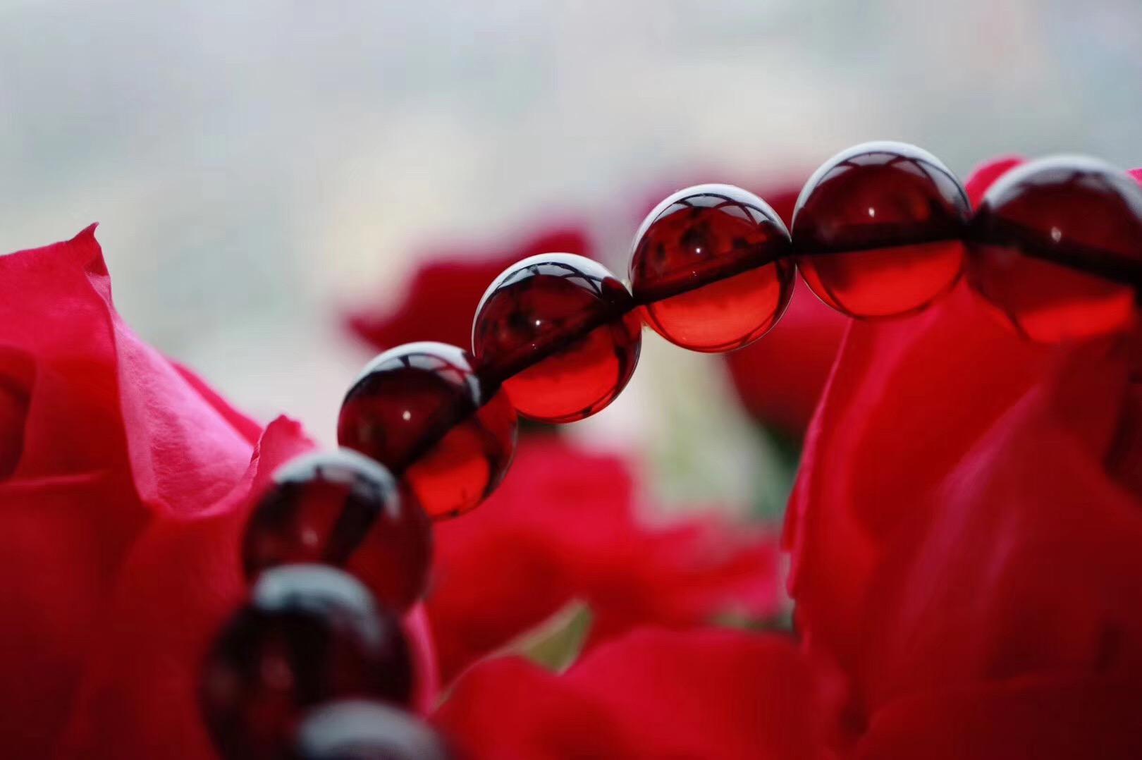 【净水血珀 & 菩心】佩戴血珀能够增强运势和幸福感,让诸事更加顺遂-菩心晶舍