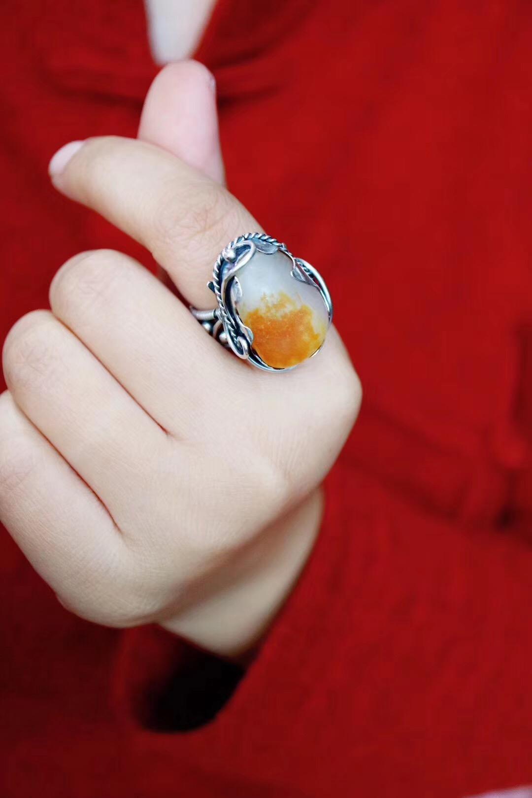 【菩心-和田玉】这是菩心对一枚和田玉籽的演绎-菩心晶舍