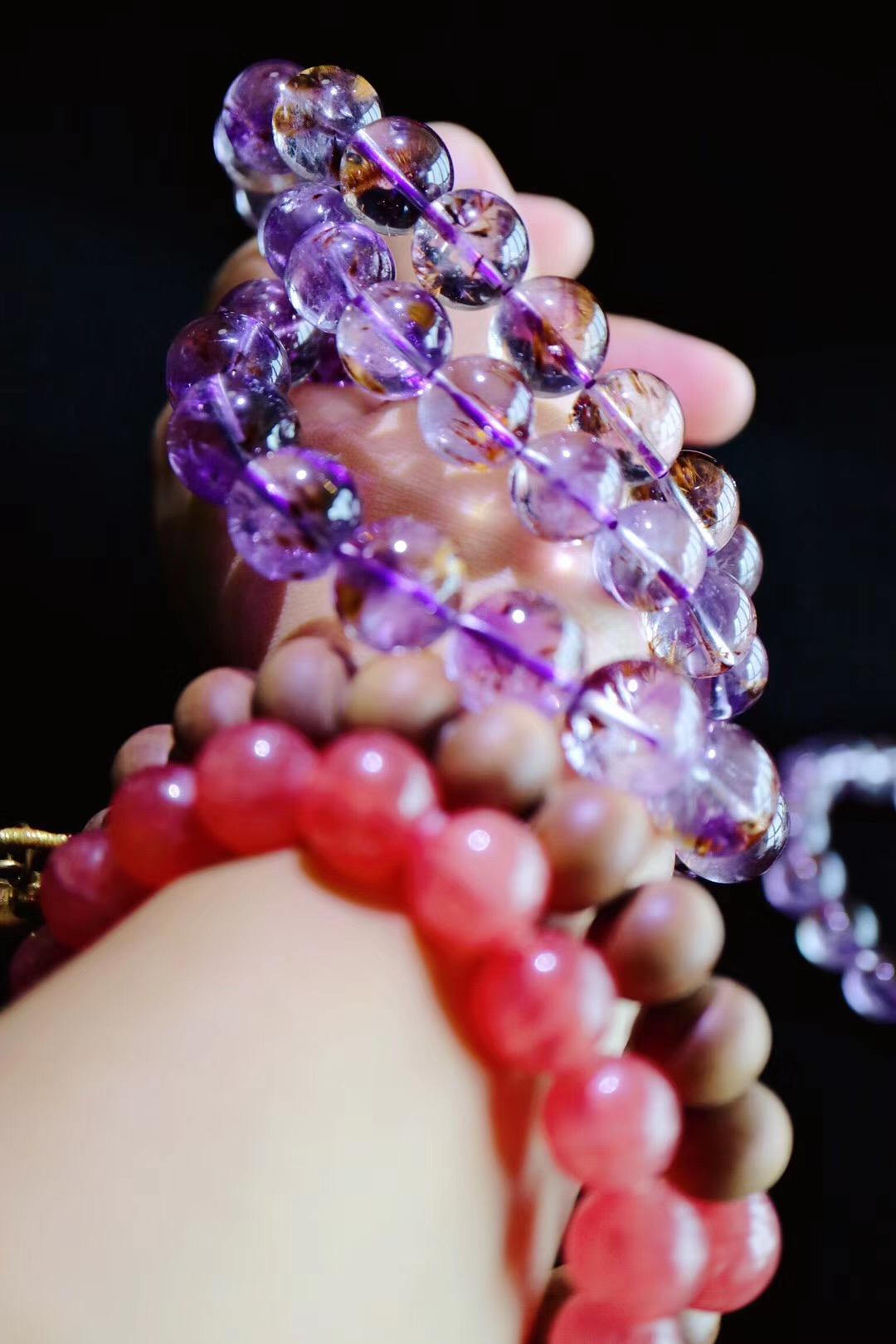 『紫钛晶』 紫钛晶,是紫水晶和钛晶的伴生矿-菩心晶舍