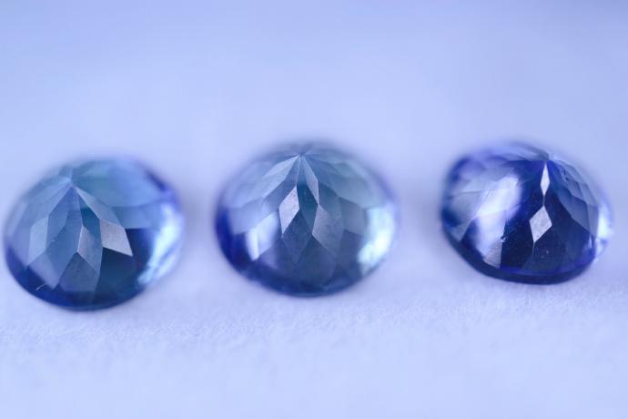 【坦桑石|裸钻】坦桑石是灵气、治愈、爱和永恒的象征-菩心晶舍